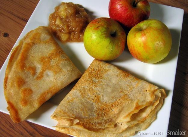 Naleśniki z mąki gryczanej z nadzieniem jabłkowym