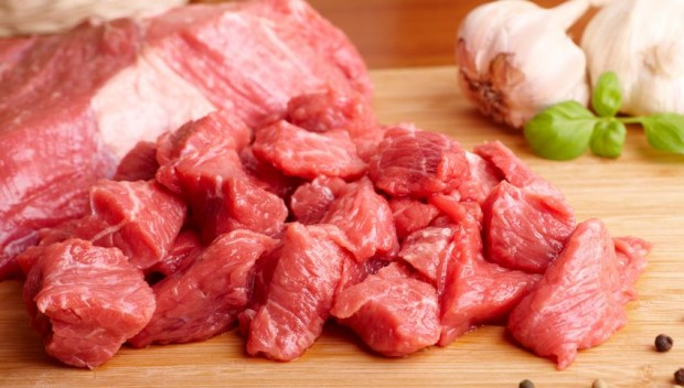 Mięso sklejane specjalnym klejem to nie sci-fi! Kliknij!