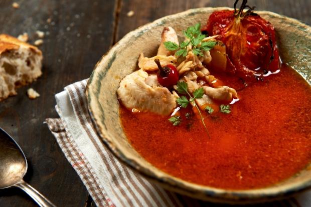 zupa rybna z pomidorami przepis grzegorza lapanowskiego