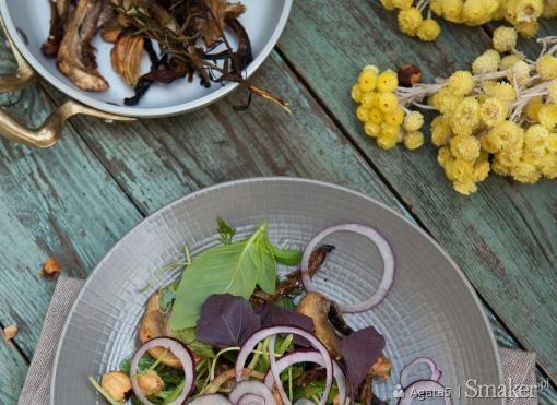 Sałatka z rukoli i grillowanych grzybów. Kliknij!