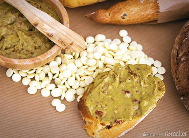 Czekoladowo-pistacjowy krem do chleba. Kliknij!
