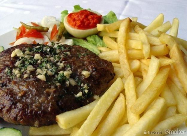 Pljeskavica - bałkańskie hamburgery