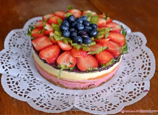 Niezwykły tort tęcza paleo