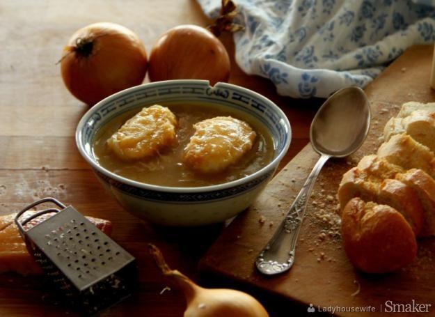Francuska zupa cebulowa. Kliknij!