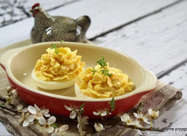Jajka faszerowane pasta krabową. Kliknij!