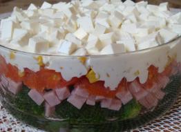 Salatka Warstwowa Z Brokulami Przepis Ze Smaker Pl
