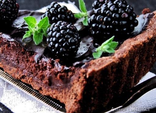 Mocno czekoladowa tarta