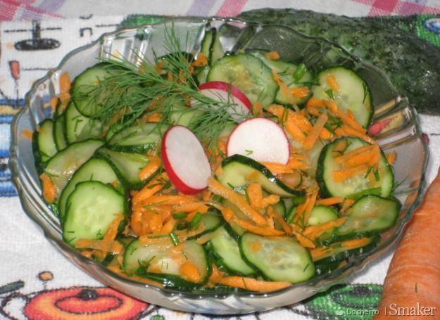 Surówka z ogórków i marchewki