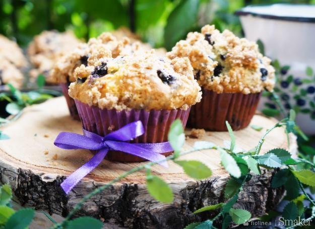 Jagodowe muffinki z cynamonową kruszonką