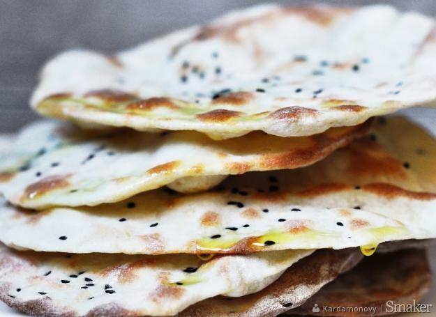 Chlebki Indyjskie Naan Z Czosnkiem Przepisy Jak Zrobić