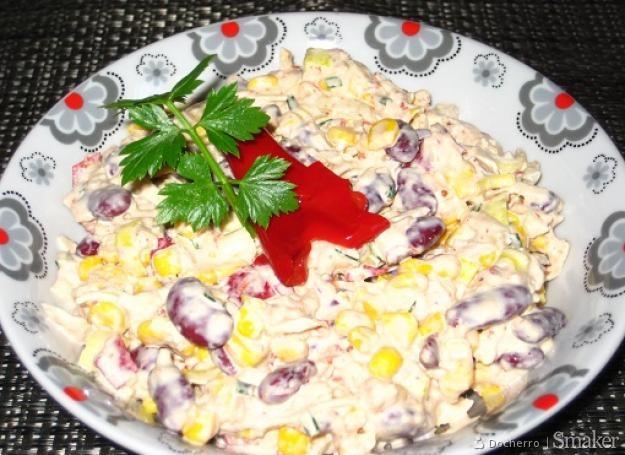 Salatka Z Tunczyka Kukurydzy Fasolki Czerwonej Papryki I Pora
