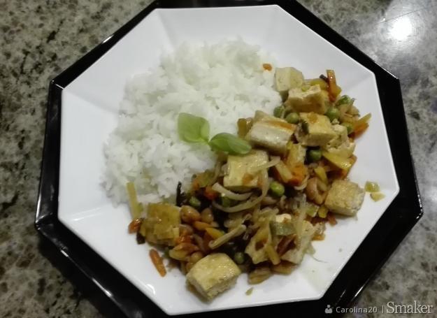 Prosty I Tani Na Tofu Z Warzywami Przepisy Jak Zrobic Smaker Pl
