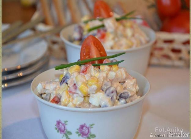 Salatka Z Tunczykiem Czerwona Fasola I Ananasem Przepisy Jak