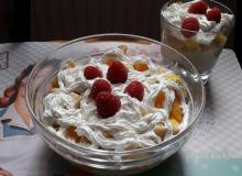 Deser z curry (triffle)