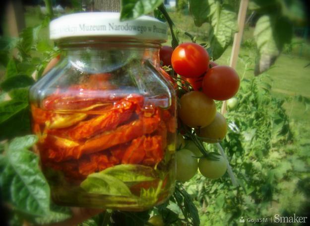Pomidory suszone na słońcu