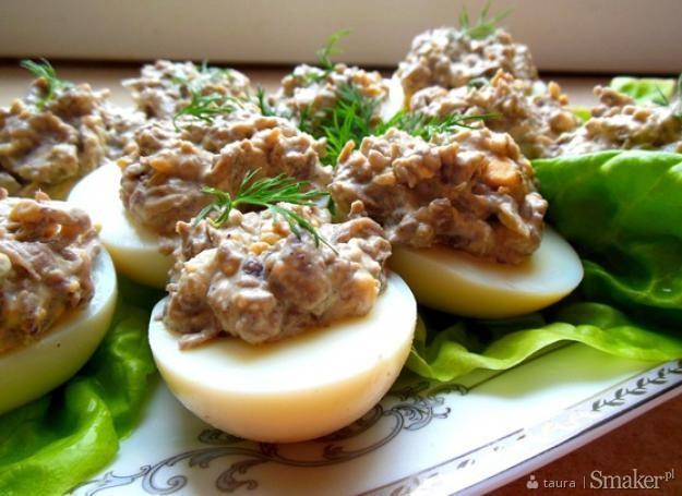 Jajka faszerowane kurkami