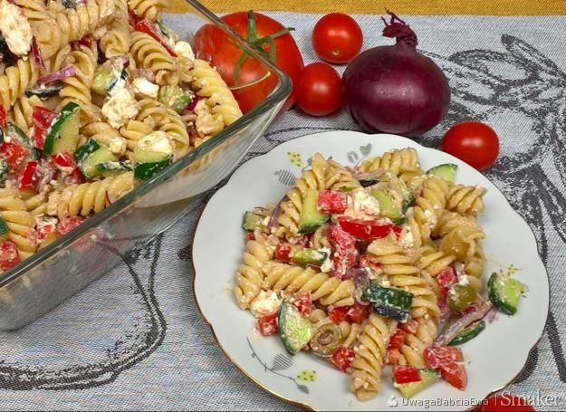 Salatka Grecka Z Makaronem Na Obiad