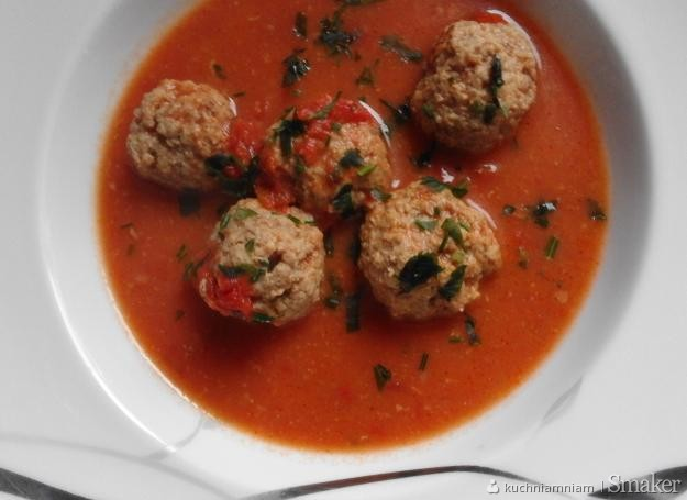 Pomidorowa z pulpecikami