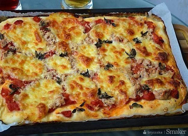 Pizza Z Mozzarella Ciasto Przepisy Jak Zrobic Smaker Pl