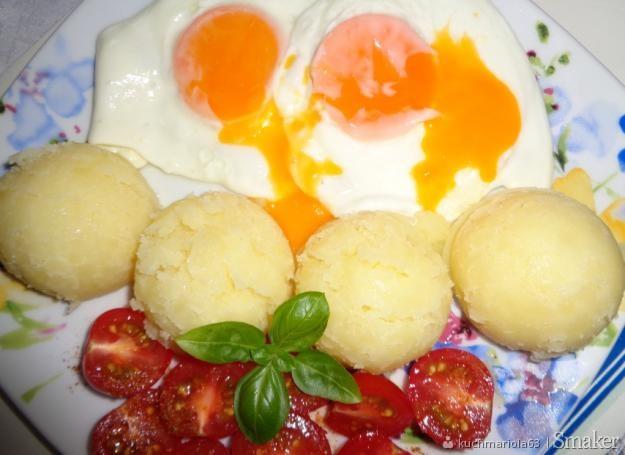 Salatka Brokuly Jajka Przepiorcze Pomidorki Koktajlowe Przepisy