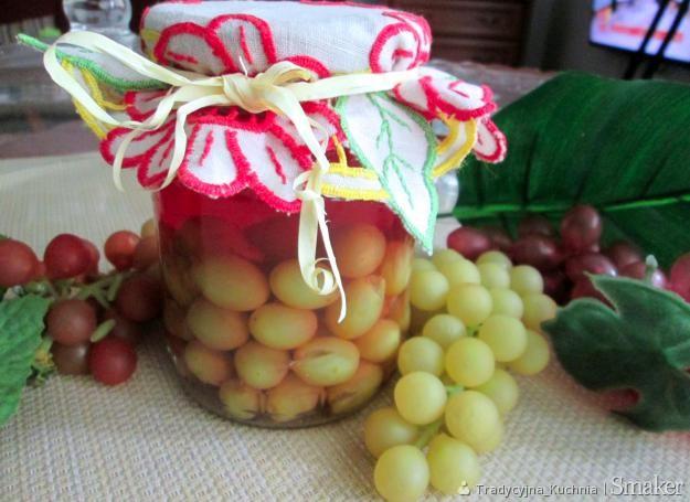 Kompot winogronowy na herbacie