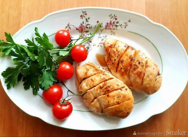 Aromatyczne piersi z kurczaka