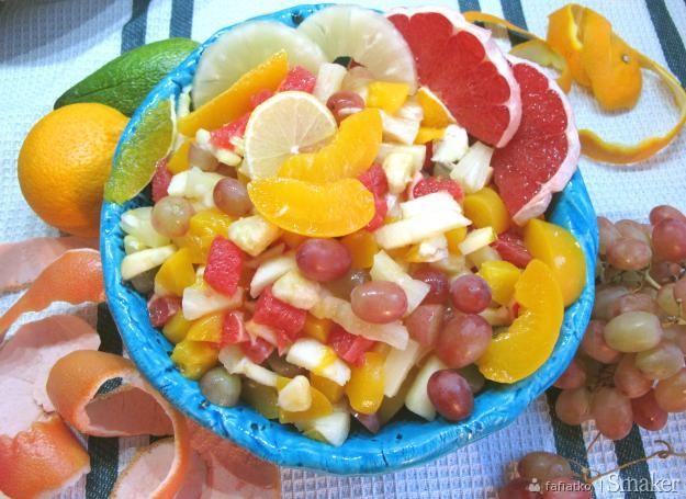 Salatka Owocowa Na Obiad Dieta Przepisy Jak Zrobic Smaker Pl