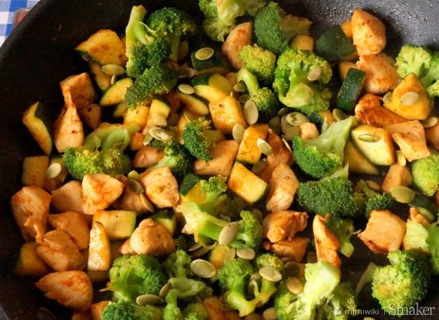Dietetyczny Kurczak Z Brokulem I Cukinia