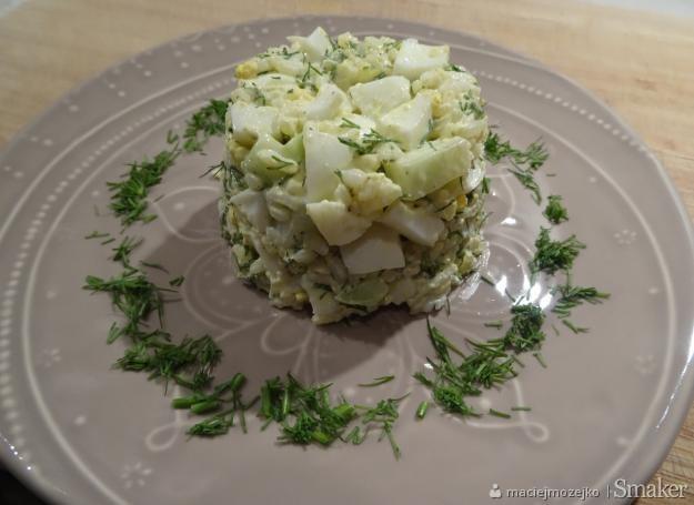 Zdrowa i prosta sałatka z jajkiem