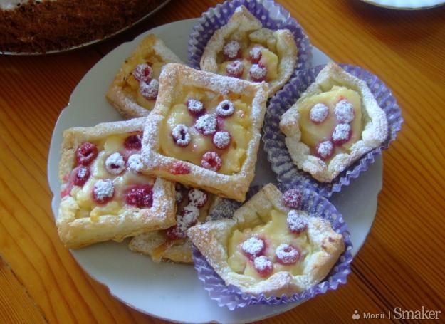 Ciasto Francuskie Z Brzoskwiniami I Budyniem Przepisy Jak Zrobic