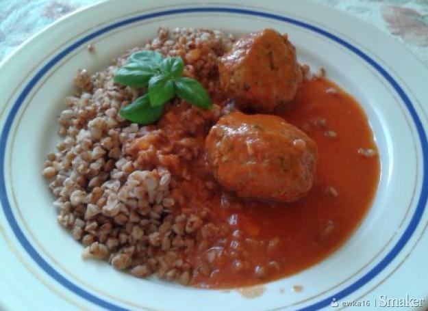 Pulpeciki w sosie pomidorowym