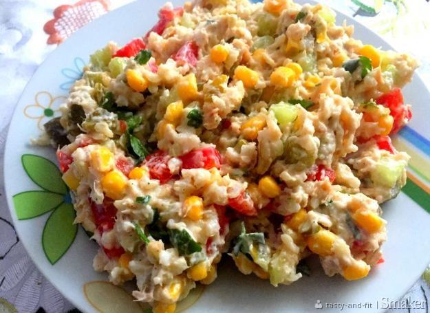 sałatka wielkanocna z ryżem i tuńczykiem