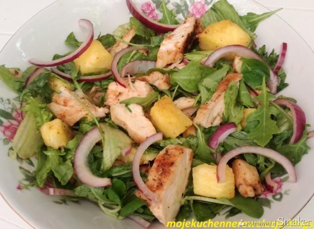 Salatka Z Grillowanym Ananasem I Kurczakiem Przepis Ze Smaker Pl