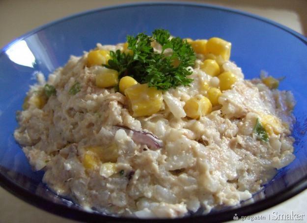 Salatka Ryzowa Z Tunczykiem I Kukurydza Przepisy Jak Zrobic