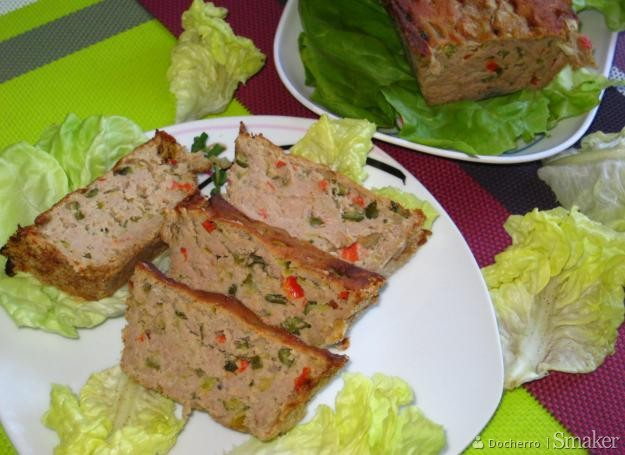 Pieczyste drobiowo-wołowe z warzywami.