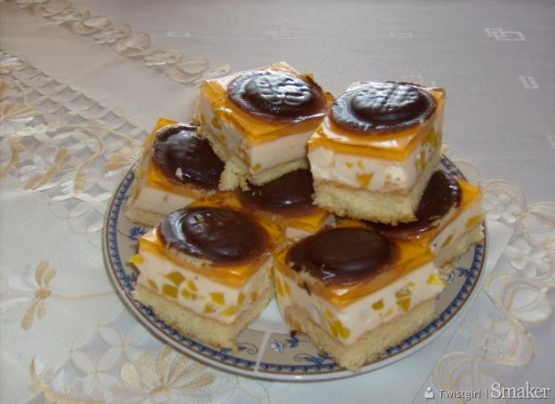 Ciasto Czekoladowe Z Delicjami Przepisy Jak Zrobic Smaker Pl