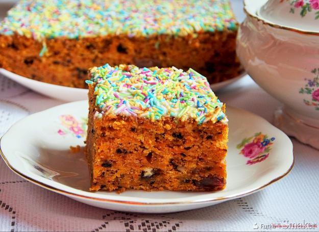 Ciasto marchewkowe z polewą karmelowo - cukrową